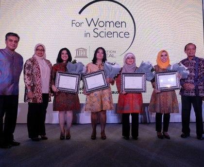 Dr.rer.nat Alucia Anita Artarini, Salah Satu dari 4 Peneliti Wanita Indonesia Paling Inspiratif di 2015 Pilihan L'Oréal